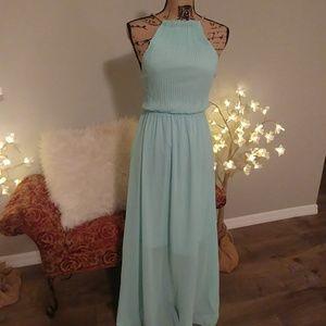 NWOT Elegant mint green halter dress 👗